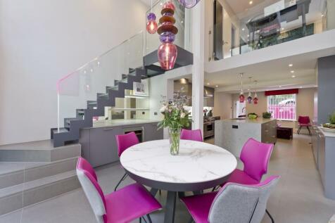 Denbigh Terrace, London, W11. 3 bedroom house