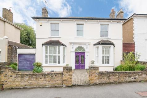 Grove Crescent, Kingston upon Thames KT1. 4 bedroom detached house for sale