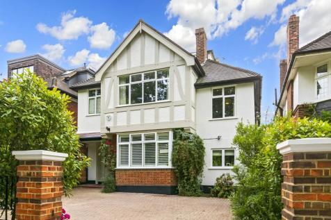 Queens Road, Richmond. 5 bedroom detached house