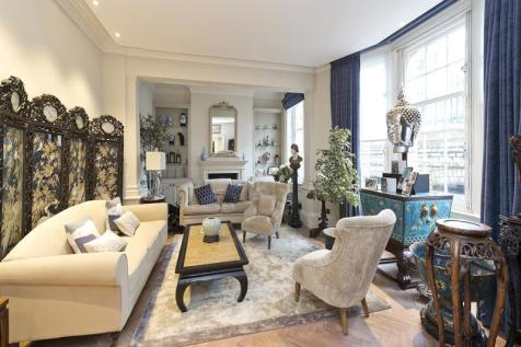 Cromwell Crescent, London, SW5. 3 bedroom apartment