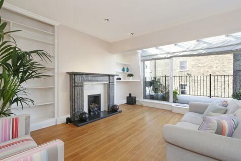 Marloes Road, London, W8. 1 bedroom flat