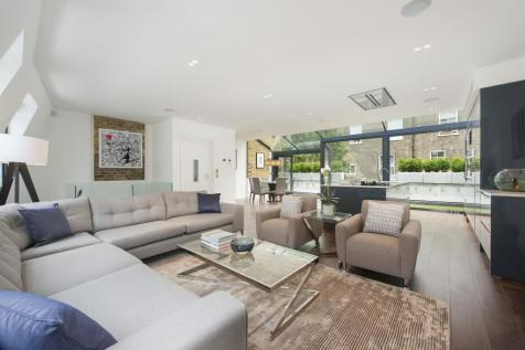 Lexham Mews, London, W8. 4 bedroom house for sale