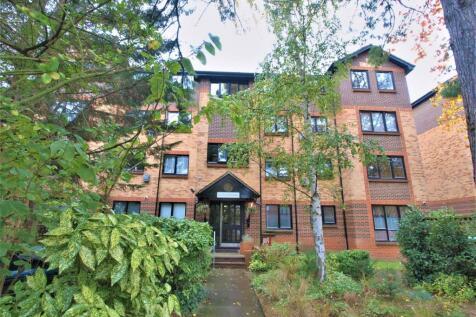 Blyth Road, Bromley, BR1. 2 bedroom apartment