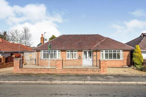 Drummersdale Lane, Scarisbrick, Ormskirk, L40. 3 bedroom detached bungalow