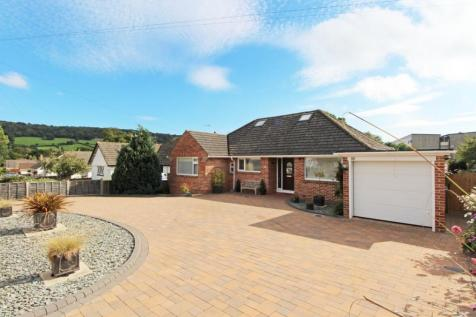 Malden Road, Sidmouth, EX10. 3 bedroom detached bungalow