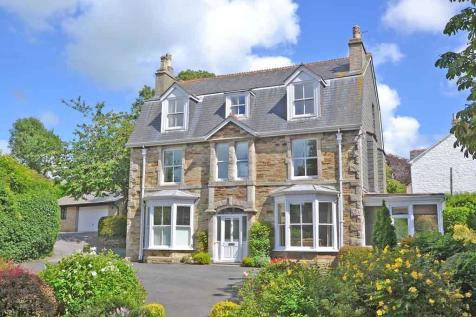 The Avenue, Truro, Cornwall. 6 bedroom detached house
