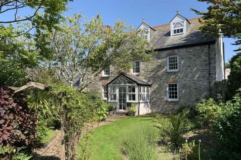 Crantock, Cornwall. 10 bedroom detached house