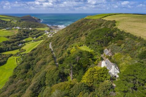 Crackington Haven, North Cornish Coast. 9 bedroom detached house for sale
