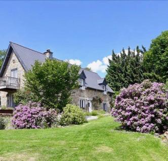 Saint Sever, Calvados. 5 bedroom farm house