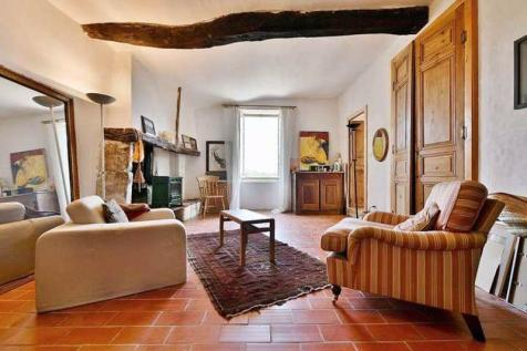 Castelnau-Valence, Gard. 4 bedroom village house