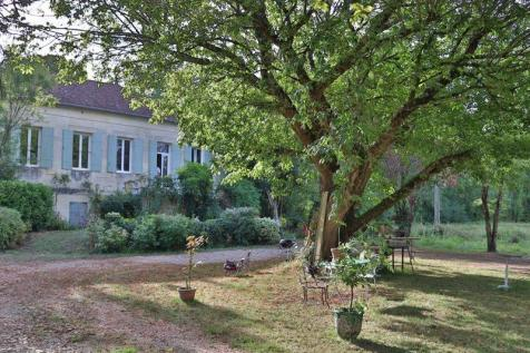 Fronsac, Dordogne. 3 bedroom property
