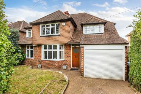 Chevington Villas, Godstone Road, Bletchingley, Redhill Surrey, RH1. 4 bedroom detached house for sale