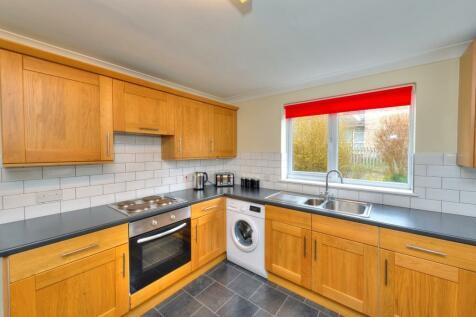 Grace Way, Stevenage, Hertfordshire, SG1. 3 bedroom terraced house