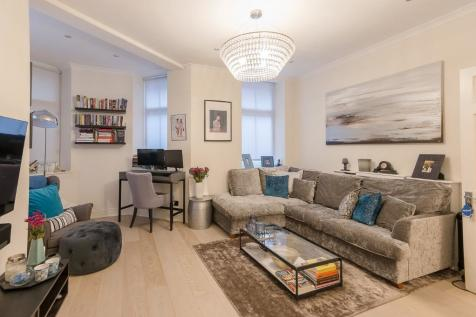 Iverna Court, London, W8. 2 bedroom flat
