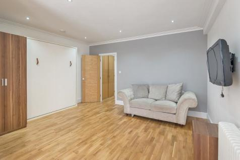 Forset Court, Edgware Road, Marble Arch, W2. Studio flat