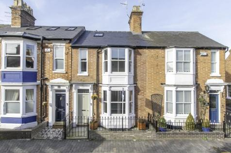 West Street, Old Town, Stratford Upon Avon, Warwickshire. 4 bedroom town house for sale