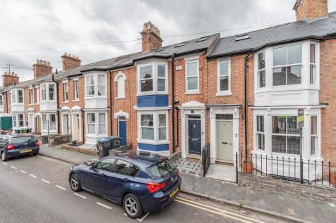 West Street, Old Town, Stratford-upon-Avon. 4 bedroom terraced house for sale