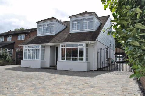 Johns Road, Meopham. 5 bedroom detached bungalow for sale