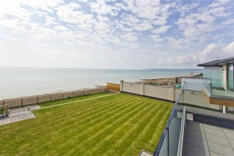 1 Hartfield Place, BEXHILL ON SEA, East Sussex. Detached house for sale