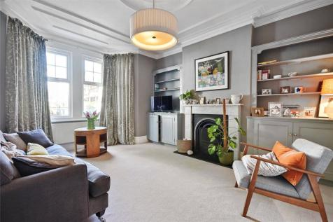 First Avenue, London, W3. 5 bedroom end of terrace house