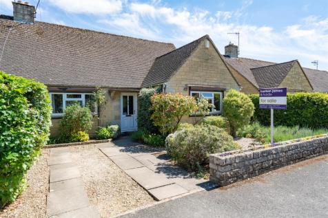 Letch Hill Drive, Bourton-On-The-Water, Cheltenham. 3 bedroom semi-detached bungalow