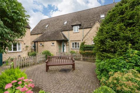 Broadlands Court, Bourton-On-The-Water, Cheltenham. 2 bedroom retirement property