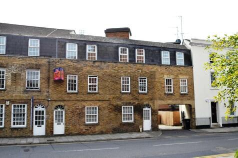 Victoria Street, Windsor, SL4. 3 bedroom terraced house