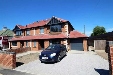 Reddings Avenue, Bushey, WD23.. 4 bedroom semi-detached house for sale