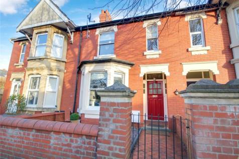 Avenue Road, Old Town, Swindon, SN1. 3 bedroom terraced house for sale