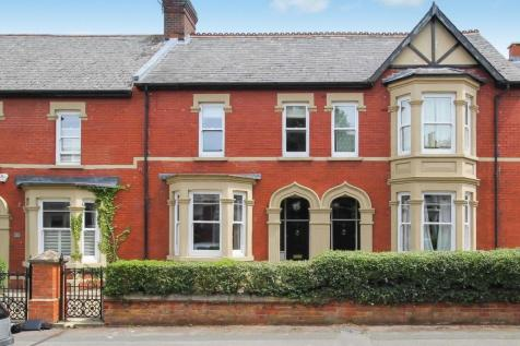 The Mall, Old Town, Swindon, Wiltshire, SN1. 4 bedroom terraced house for sale
