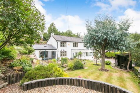 Carden Road, Moss, Wrexham. 4 bedroom detached house