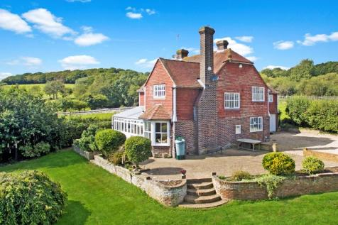 Rural Crowhurst, East Sussex, TN38. 5 bedroom detached house