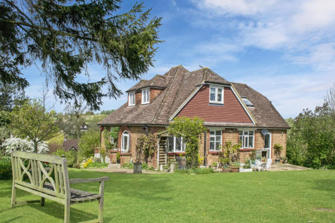 East Farleigh, Kent, ME15. 4 bedroom detached house