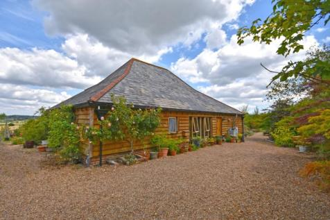 Rural Northiam, East Sussex, TN31. 3 bedroom character property