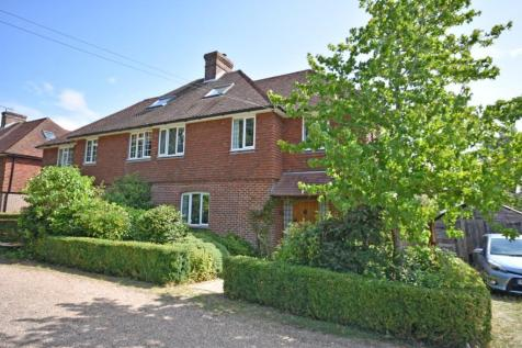 Rural Bodiam, East Sussex, TN32. 4 bedroom semi-detached house