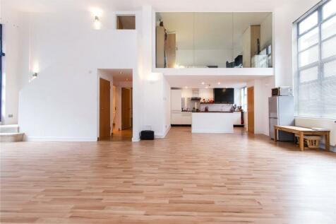 Chilton Street, London, E2. 3 bedroom flat for sale