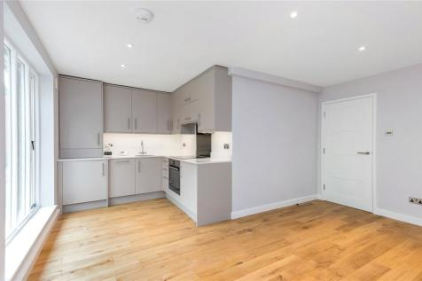 St. Clement Street, Winchester, Hampshire, SO23. 2 bedroom apartment