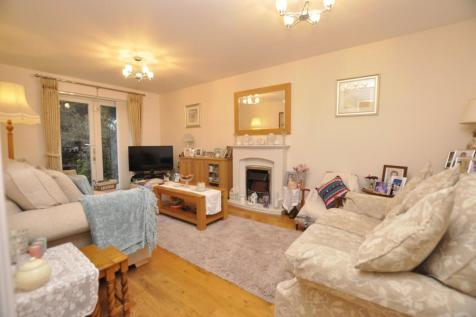 Baden Powell Close, Great Baddow, Chelmsford, CM2. 3 bedroom house