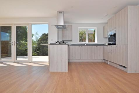 The Heath, Tattingstone, IP9. 3 bedroom semi-detached house