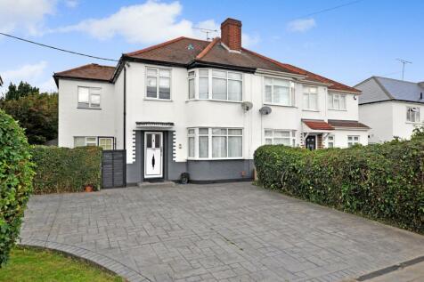 Waterhouse Lane, Chelmsford, CM1. 4 bedroom semi-detached house