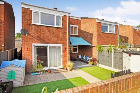 Ray Mead, Great Waltham, Chelmsford, CM3. 3 bedroom semi-detached house