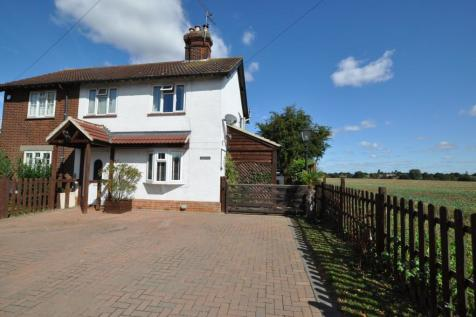 Roxwell Road, Writtle, Chelmsford, CM1. 3 bedroom semi-detached house