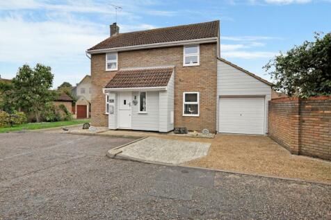 Yeldham Lock, Chelmer VIllage, Chelmsford, CM2. 3 bedroom detached house
