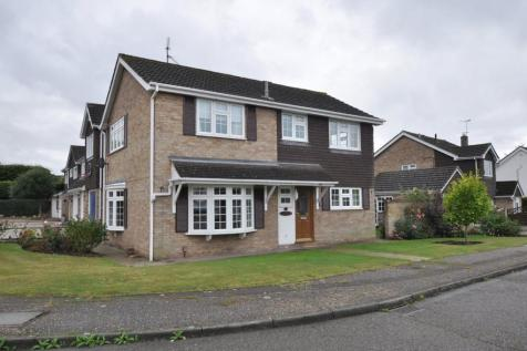 Russell Gardens, Galleywood, Chelmsford, CM2. 4 bedroom detached house