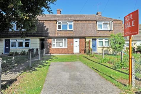 Sawkins Avenue, Great Baddow, Chelmsford, CM2. 3 bedroom terraced house