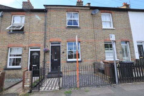 South Primrose Hill, Chelmsford, CM1. 2 bedroom terraced house