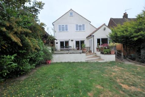Longstomps Avenue, Chelmsford, CM2. 6 bedroom detached house