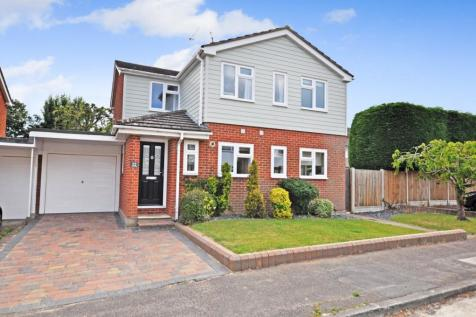 Johnson Road, Great Baddow, Chelmsford, CM2. 4 bedroom detached house