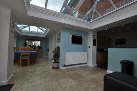 Telford Place, Chelmsford, CM1. 4 bedroom town house