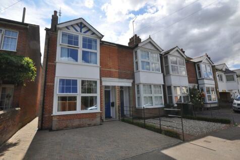St Johns Road, Old Moulsham, Chelmsford, CM2. 3 bedroom end of terrace house